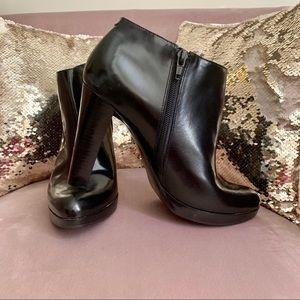 Nine West Joydon ankle booties black 9 #336